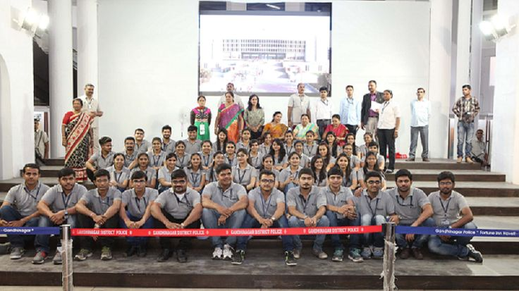 350 students and staff members of #MEFGI visited Vidhan Sabha, Gandhinagar on 14th March 2016, and interacted with Honorable Chief Minister of Gujarat, Smt Anandiben Patel and Education Minister of Gujarat State, Prof. Vasuben Trivedi. Students experienced the elite core public administration and the process how bills and rules are passed in Vidha Sabha. The students were very delighted with the exposure they had at Vidhan Sabha. #VidhanSabha #PublicAdministration #MEFGI #Rajkot…