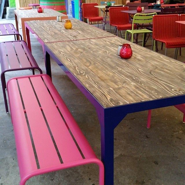Herlige bord, levert til kanskje den hyggeligste uteserveringen i oslo @datteratilhagen #datteratilhagen #drivved #drivvedland #gjenbruksmaterialer