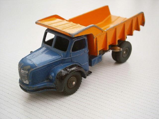 Quarry dump truck Berliet Marrel (Dinky Toys France 60's)