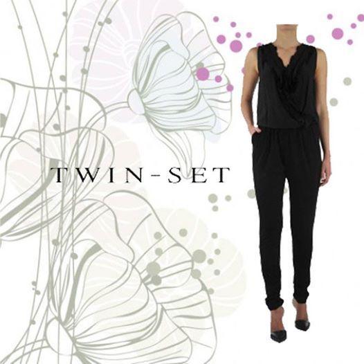 La tuta nera di Twin Set è perfetta in ogni occasione ! http://www.beenfashion.com/it/donna/abiti/twin-set-tuta-intera.html?utm_source=pinterest.comutm_medium=postutm_content=twin-set-tuta-nerautm_campaign=post-prodotto