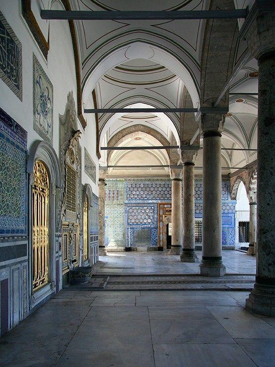 Le palais de Topkapi fut pendant quatre siècles la résidence des sultans de l'Empire ottoman, à Istanbul en Turquie. Sur https://www.tripalbum.net