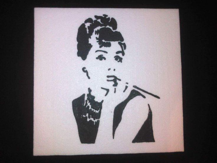 Audrey Hepburn stencil 40,5x40 cm Hungarocell, nikecell Székesfehérvár