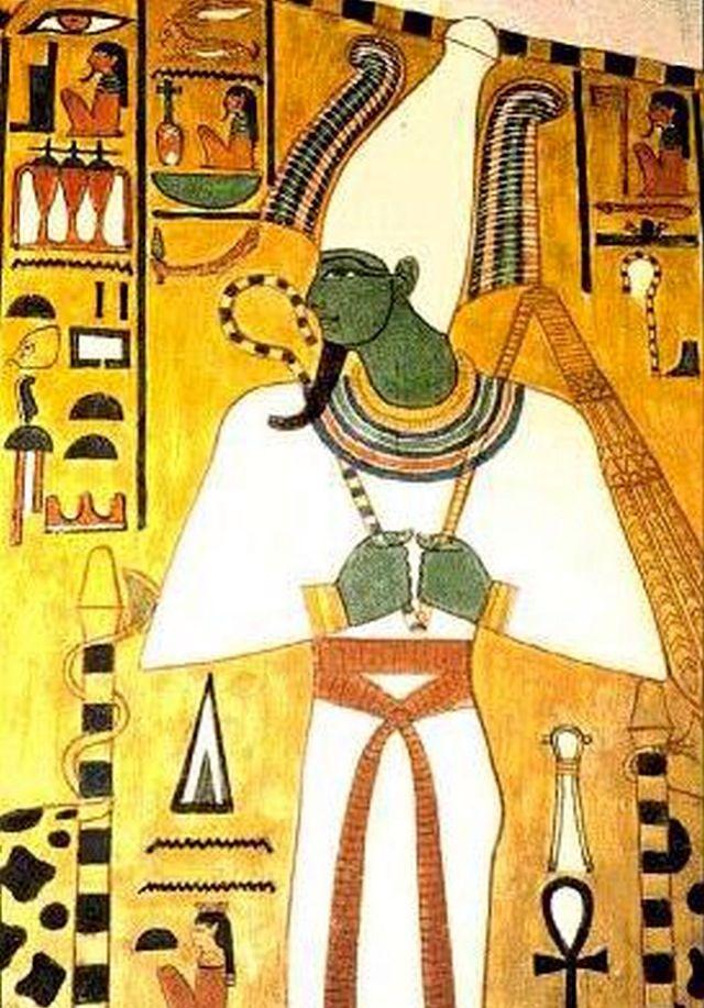 """Osiris na mitologia egípcia, assumia uma importante função. Era o responsável pelo julgamento dos mortos no """"Tribunal de Osíris"""".   A imagem de Osíris aparece, nas paredes das pirâmides, representada como um homem mumificado (enrolado em faixas de tecido branco) e com barba postiça. Em algumas representações, Osíris aparece com a cor de pele verde e, em outras, negra  De acordo com a mitologia egípcia, Osíris havia governado a Terra e ensinado aos homens as técnicas de agricultura e…"""