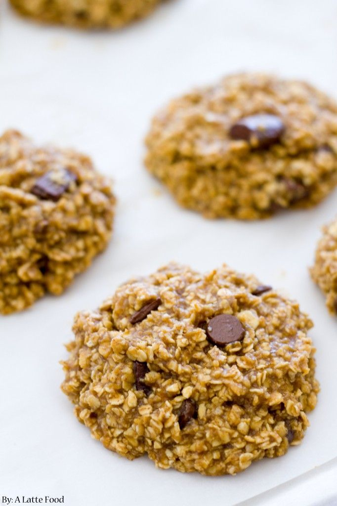 Healthy Peanut Butter Banana Cookies | Easy, packed with protein, and so tasty. A dessert you won't feel guilty about! | www.alattefood.com/