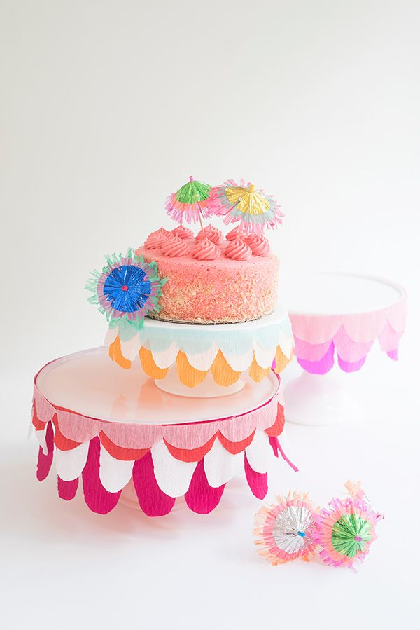 Make some bunting for your cake stand using streamers.