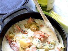 En gräddig och mild fiskgryta med fänkål, räkor och dill. Recept från boken Taste by Louise.
