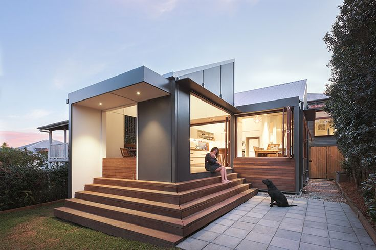East Brisbane Renovation | Paved Courtyard | Queensland Australia | Smith Architects