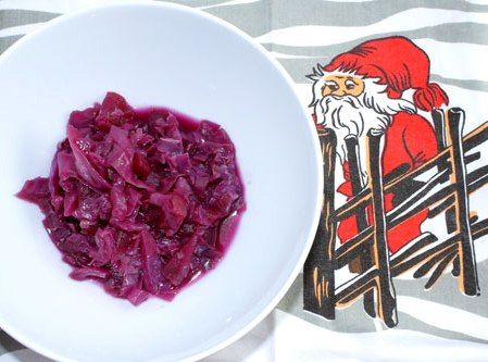 """Red cabbage """"rödkål"""" and Swedish Christmas Traditions"""