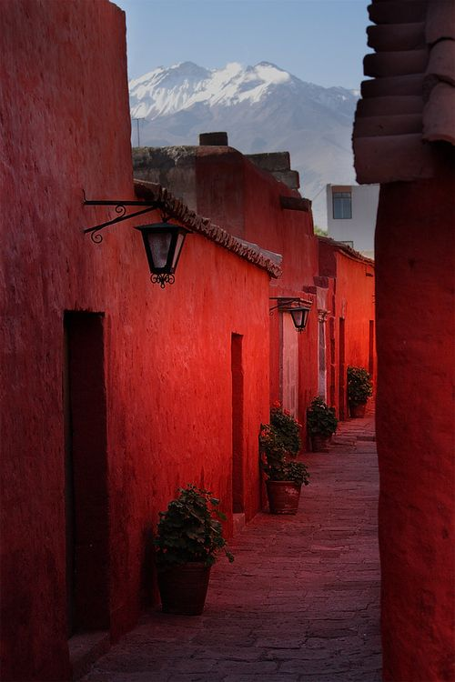 Monasterio de Santa Catalina, Arequipa, Peru. Photo: James Henley