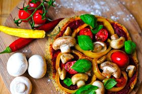 Rapunzel in the kitchen: Low Carb Fitness Pizza - vegan & glutenfrei