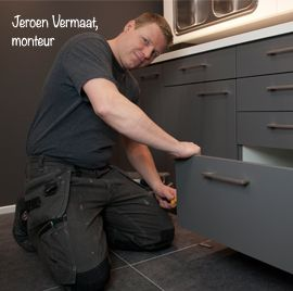 """Jeroen Vermaat.  """"Montage tot het laatste keukenkastje!"""" Monteur"""