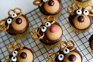 Reindeer cupcakes!  Something a little different other than Christmas Tree cupcakes or Snowmen cupcakes!
