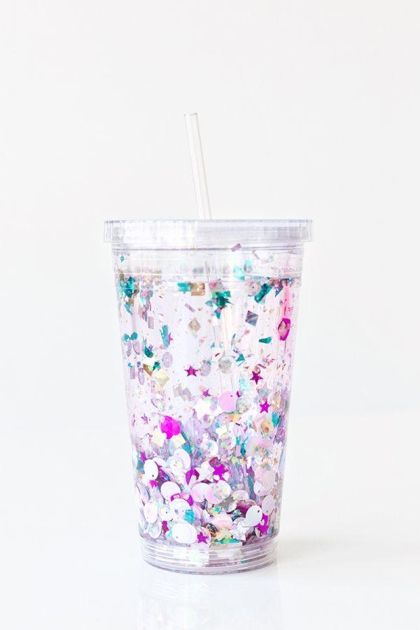 DIY Floating Glitter Tumbler | studiodiy.com