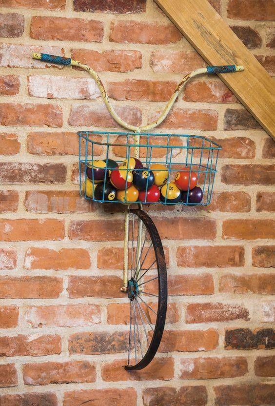 Frente cesta de metal de bicicletas y plantador de decoración de la pared
