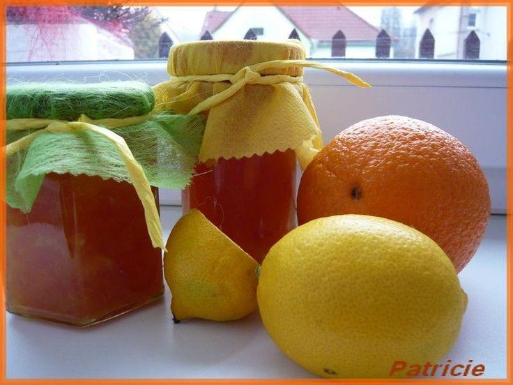 Ovocie na noc namočíme do studenej vody, aby sa pri šúpaní nedostali do šťavy chemikálie, ale ovocie je potom aj šťavnatejšie. Na druhý deň...