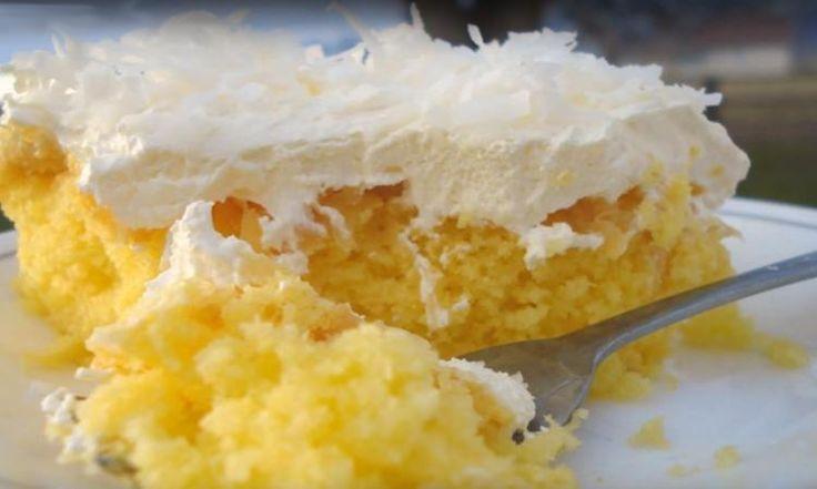 Pour réaliser ce délicieux gâteau hawaïen, il vous faut:         1 boîte de mélange à gâteau doré ou à la vanille      4 œufs      1/2 tasse d'huile