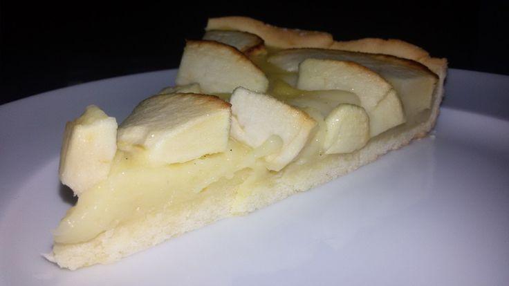 Crostata con crema pasticcera al latte di mandorla e mele