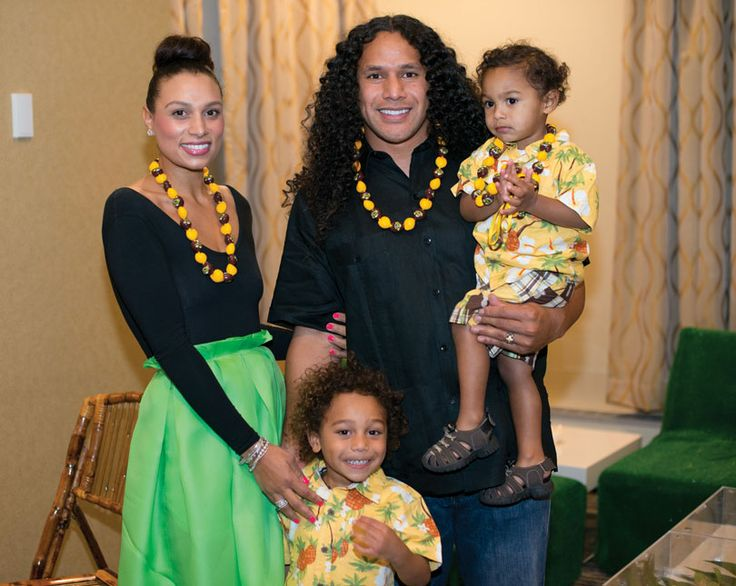 Photo of Troy Polamalu & his  Son  Paisios Polamalu