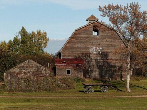williamsranch: Livery Barn, Rowley, Albertahttp://flic.kr/p/pd3TuX Livery Barn, Rowley, Alberta