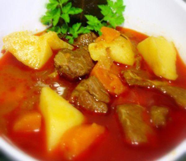 Receta de estofado de carne con patatas y zanahorias - El Aderezo - Blog de Recetas de Cocina
