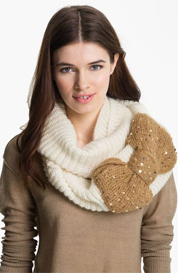 Knitted Infinity Scarf with bow, I think I need this....