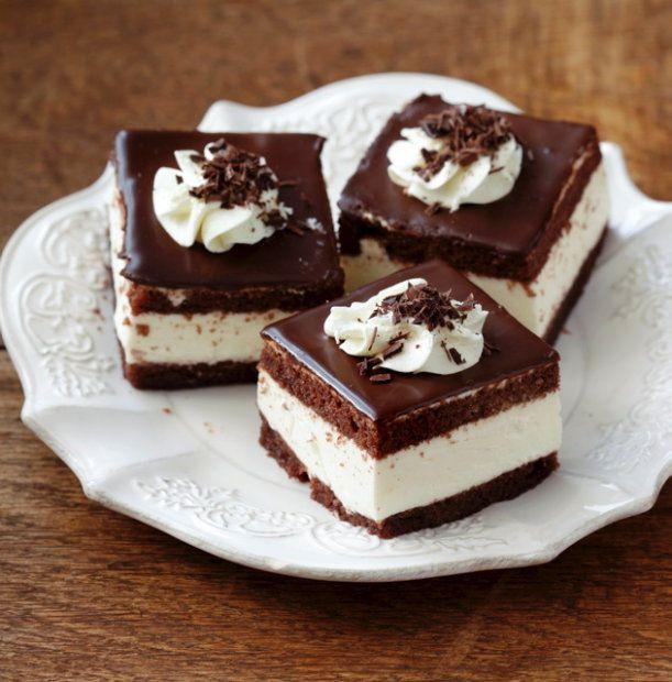 Wuzetka warszawskaChocolates Cake, Wuzetka Warszawska, Recipe Desserts, Polish Cake, Beutiful Poland, Sponge Cake, Polish Recipe, Polish Cooking, Polish Food