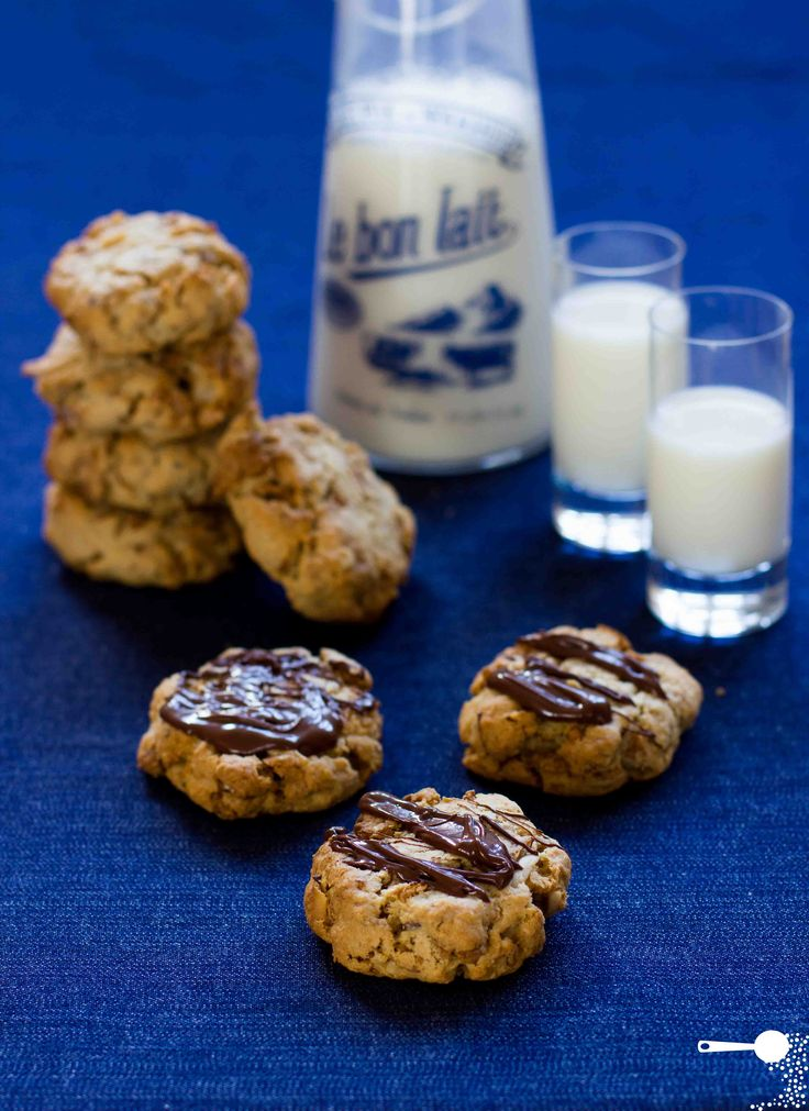 Wholesome Cereal Cookies - http://wholesome-cook.com/2012/04/20/wholesome-cereal-cookies/