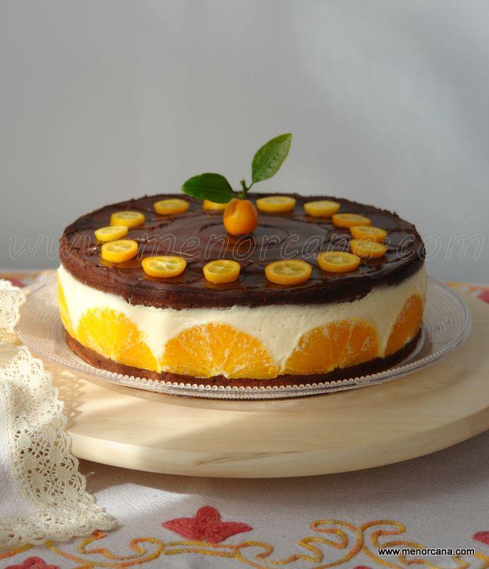 Las naranjas, por su agradable sabor y a sus propiedades refrescantes, constituyen una de las principales frutas de mesa, es fácil encontrarlas durante todo el año gracias a las distintas variedade...