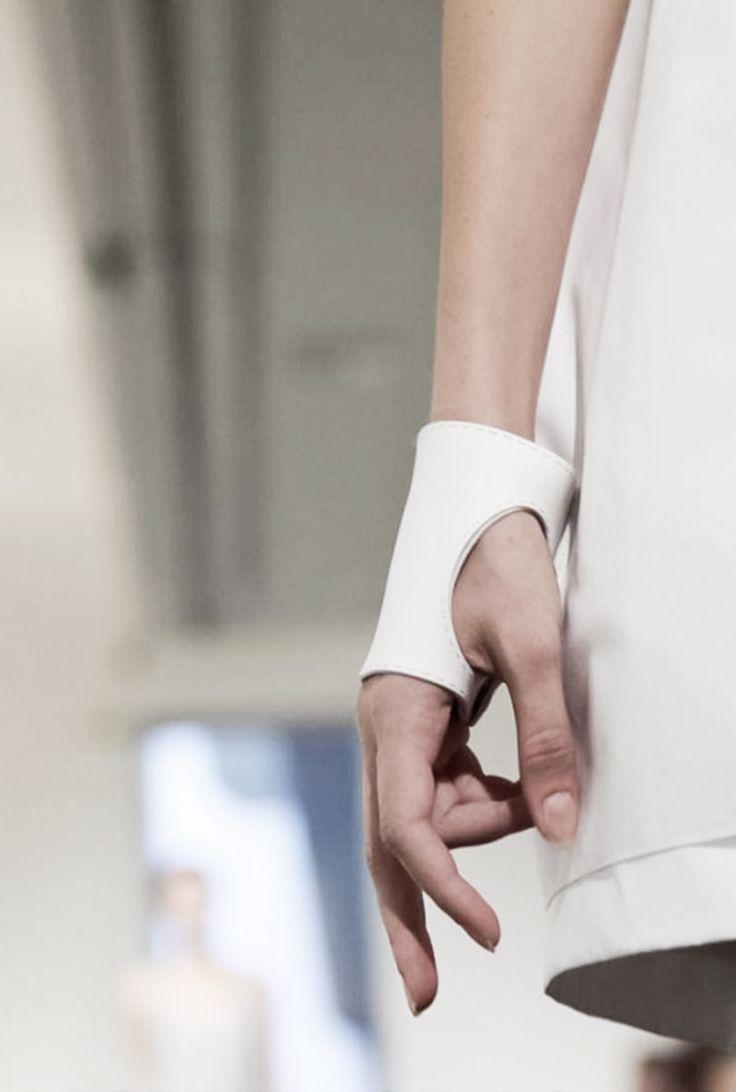 Glove Cuff White Leather