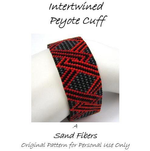Peyote Pattern Intertwined Peyote Cuff / Peyote por SandFibers