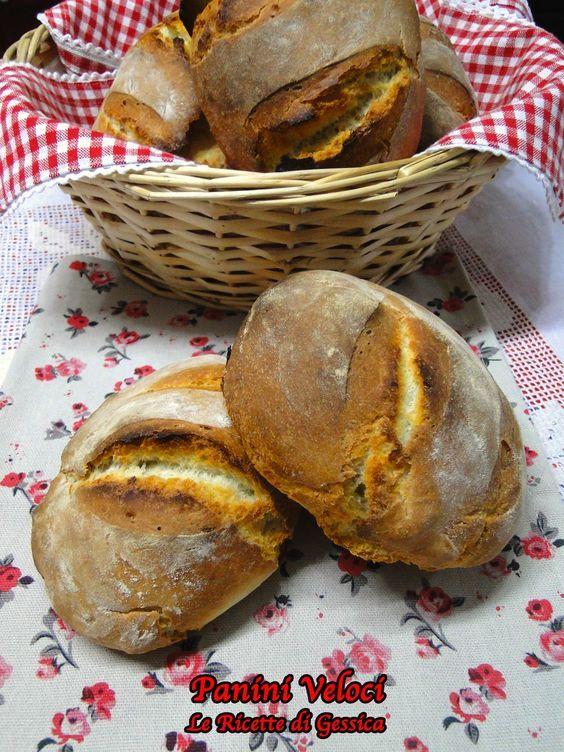 Questi Panini Rustici sono veloci, si preparano in poco tempo. Hanno la crosta croccante e l'interno morbido. E' Un pane rustico. Ricetta con e senza Bimby