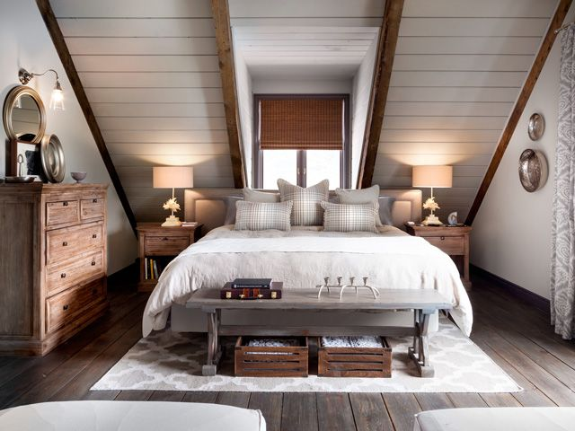 Best 25+ Slanted ceiling bedroom ideas on Pinterest | Slanted ...