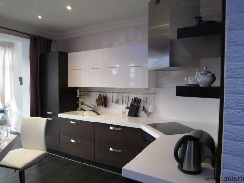 Лаконичная кухна в квартире-студии на Фридриха Энгельса 25Б