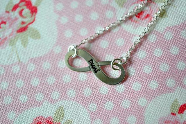 Duni's Studio: Infinity necklace // Gravierte Halskette