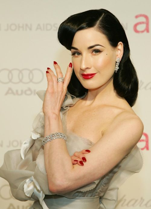 Dita Von Teese: Old Schools, Girls Crushes, Mirror Mirror, Diy Hair, Happy 40Th Birthday, Fans, Burlesque Beautiful, Tees Burlesque, Dita Von Teese