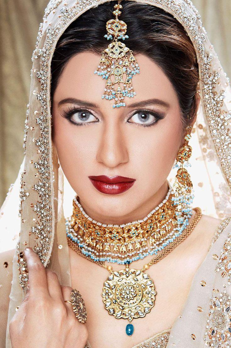 Kundan Bridal Jewelry #Indian #Wedding #Bride #Groom #Inspiration #IndianWedding