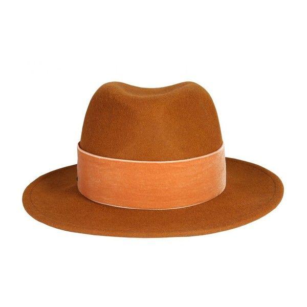 "Chapeau Moutarde ""Velvet"" avec Ruban en Velours (€70) ❤ liked on Polyvore featuring accessories, hats, velvet hat, ruban and velour hat"