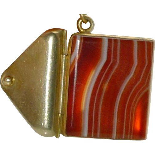 Antique Banded Agate Pendant on Beaded Chain from Heirloom Linens By D on Ruby Lane