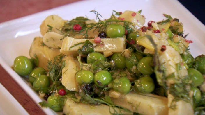 Braised artichokes with freekeh grains and herbs recipe : SBS Food