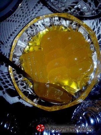 Ένα πεντανόστιμο γλυκό υγιεινό για τους λάτρεις των γλυκών του κουταλιού.. και αφού το κολοκύθι είναι στην εποχή του ας το κάνουμε...