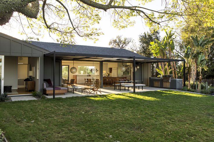 A midcentury ranch house reinvented: LA remodel by Barbara Bestor + DISC Interiors, Laura Joliet photo | Remodelista
