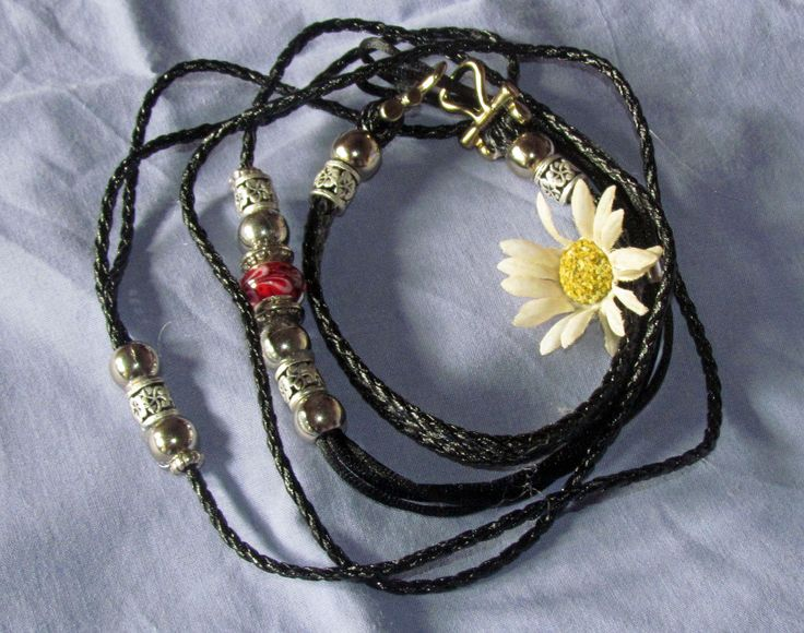 Black leatherette, medium toy, martingale kindness lead.R150
