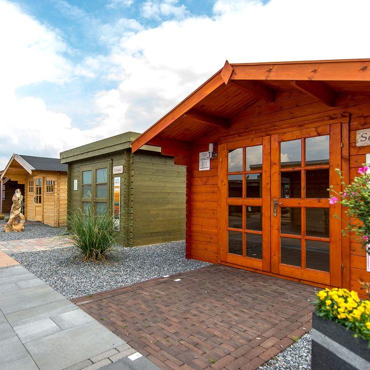 Bei steda gibt es viele verschieden Gartenhäuser. Modelle in 28 mm, 40 mm, 40 mm, 45 mm, 50 mm oder 70 mm. Es gibt eine große Auswahl. Es kann direkt eine passende Dacheindeckung gewählt werden und weiteres Zubehör mitbestellt werden - So muss das!