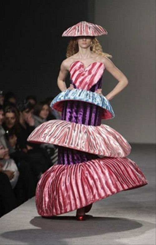 I'm thinking of fashioning a dress after this. What do ya guys think?
