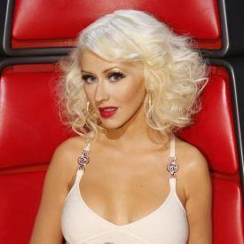 Christina Aguilera retornará ao The Voice EUA #AdamLevine, #Cantora, #Filha, #Musical, #Novo, #PharrellWilliams, #Pop, #Programa, #Show, #TheVoice http://popzone.tv/christina-aguilera-retornara-ao-the-voice-eua/