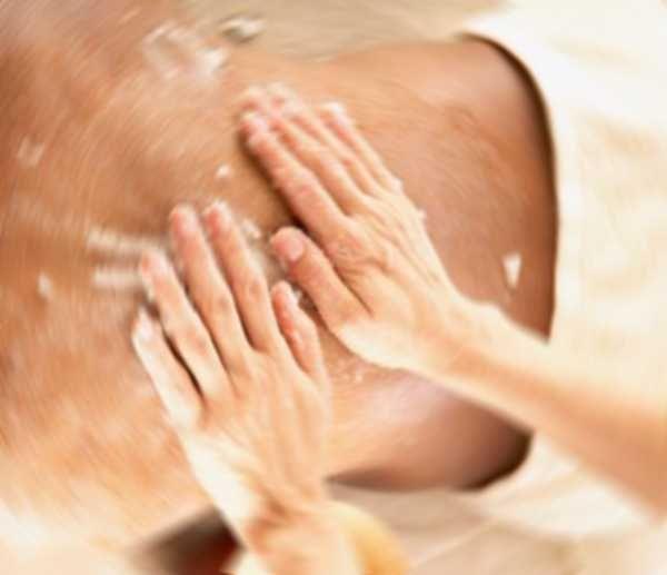 Scrub corpo: farina di riso e cocco e olio d'oliva