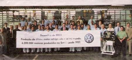Marque esta data: 23 de dezembro de 2005. Nesse dia, será produzido na Anchieta a última Kombi com o motor mais popular da história da indústria automobilística: o boxer4, refrigerado a ar.