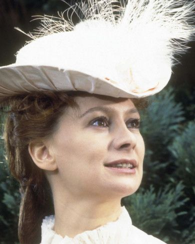 Francesca Annis as the Royal mistress Lillie Langtry in ITV series 1978 - Lillie
