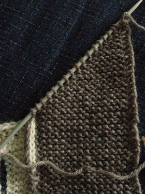 How to knit a mitred corner
