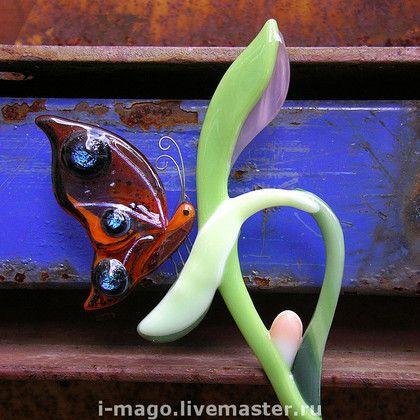 Украшение для цветочного горшка.. Наша 'Хранительница' с радостью поселиться в уютном цветочном горшке.   Будет оберегать Ваш дом и любимый цветок. В Японии считают, что увидеть бабочку у себя в доме – к счастью: бабочка символизирует все лучшее в жизни человека.